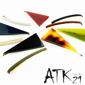 (3本セット)トライアングル シンプル スエード ゴールド ヘアピンセット 髪どめ 前髪 レディース ヘアアクセサリー :HAS171001