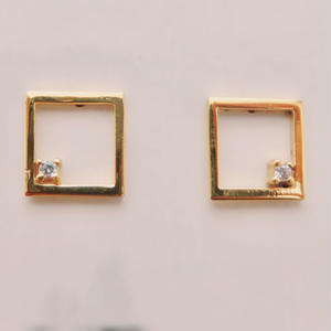 Square pierce with Diamond