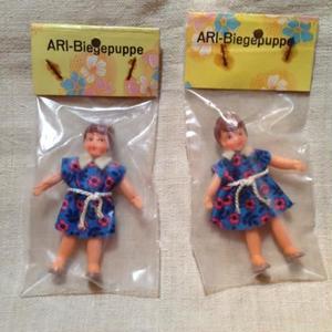 ARI青ドレス白ベルトの女の子905
