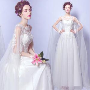 20代 妖精のように可愛い純白のロングドレス