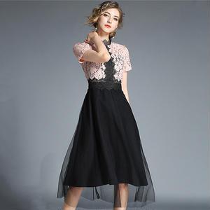 バイカラーの刺繍レースがエレガントなオトナ可愛いひざ丈チュールパーティドレス