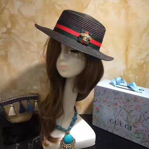 グッチ夏新作 GUCCI 麦わら帽子 ビーチ帽子 高品質 可愛い ミツバチ