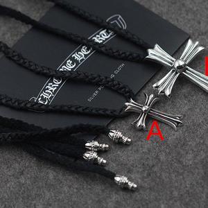 クロムハーツネックレス Chrome Hearts シンプル ユニセックス 本革 十字架 高品質 男女兼用 大きめチャーム
