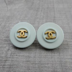 ヴィンテージ CHANEL シャネル ココマーク 18mm ミントブルー×ゴールドボタン イヤリングパーツのおまけ付 (c-17)