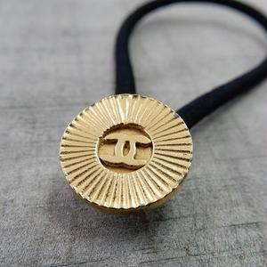 ヴィンテージ CHANEL シャネル ココマーク 14mm タイプ3 ゴールド シャインデザイン ボタン ヘアゴムのおまけ付(c-84)