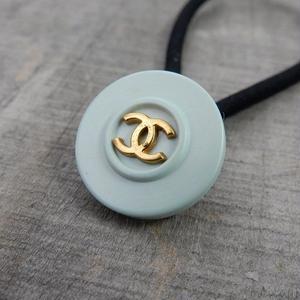 ヴィンテージ CHANEL シャネル ココマーク 18mm ミントブルー×ゴールドボタン ヘアゴムのおまけ付(c-17)