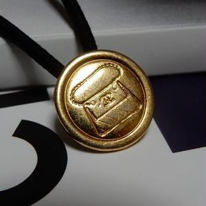 ヴィンテージ CHANEL シャネル ボタン ココマーク 17mm マトラッセBAG柄 ゴールド ヘアゴムのおまけ付(c-129)