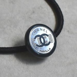ヴィンテージ CHANEL シャネル ボタン ココマーク 16mm プラネイビー×ミラー ヘアゴム付き(c-242h)