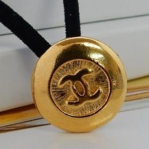 ヴィンテージ CHANEL シャネル ココマーク 16mm ゴールドボタン ヘアゴムのおまけ付(c-112)