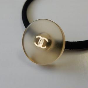 ヴィンテージ CHANEL シャネル ココマーク クリアボタン 16mm ヘアゴムのおまけ付(c-64)