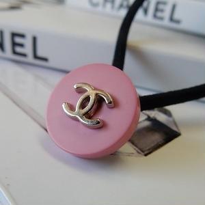ヴィンテージ CHANEL シャネル ココマーク 16mm ピンク×シルバーボタン ヘアゴムのおまけ付(c-38)