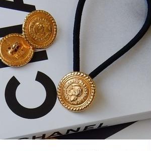ヴィンテージ CHANEL シャネル ゴールドボタン17mm ココシャネルモチーフ ヘアゴムのおまけ付 (c-12)