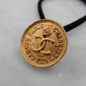 CHANEL シャネル ボタン ココマーク 17mm タイプ2 コインデザイン ゴールド ヘアゴムのおまけ付(c-151)