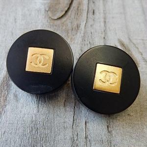 ヴィンテージ CHANEL シャネル ココマーク タイプ4 ブラック×ゴールドボタン 20mm イヤリングパーツのおまけ付(c-96)