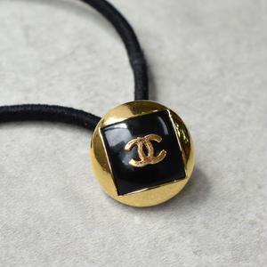 ヴィンテージ CHANEL シャネル ボタン ココマーク 18mm ブラック×ゴールド ヘアゴム付き(c-234h)