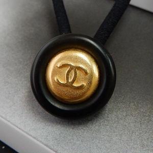 ヴィンテージ CHANEL シャネル ボタン ココマーク 17mm タイプ10 ブラック×ゴールドボタン ヘアゴムのおまけ付(c-102)