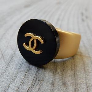 ヴィンテージ CHANEL シャネル ボタン ココマーク 17mm ブラック×ゴールド 指輪 #12号 オリジナルリングのおまけ付(c-141)