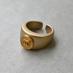 ヴィンテージ CHANEL シャネル ボタン ココマーク 9mm チェーンフレーム ゴールドボタン 指輪 #12号 オリジナルリングのおまけ付(C-251R)