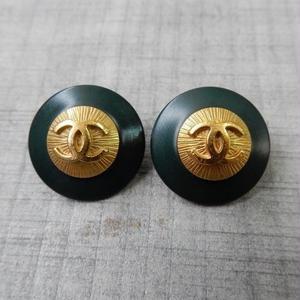 ヴィンテージ CHANEL シャネル ココマーク 20mm ダークグリーン×ゴールドボタン イヤリングパーツのおまけ付(c-22)