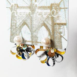 Metrocard pierced earrings メトロカードピアス/フラワーキャッチタイプ・パール×ゴールド 01