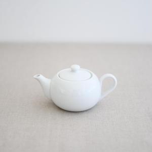 茶壺(白磁)