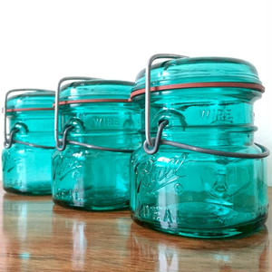 Ball Mason jar (1/2Pint) Wire type & Blue glass - A