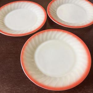 Ivory* Swirl - Sunrise Salad Plate