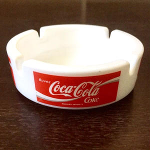 Coca cola :Milk glass Ashtray (made in France)