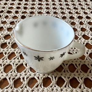 Snowflake Creamer(Gaiety)