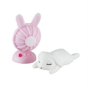 扇風機の前で涼み中(白うさぎ)  (納涼うさぎ カプセルコレクション ウサギ 兎 RABBIT FIGURE 動物 ミニチュア グッズ ガチャ エポック社)