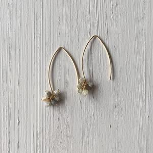 【14kgf】【4月誕生石】ダイヤモンドの花束ピアス【April birthstone】rough Diamond bouquet  earrings