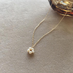 【K18】【6月誕生石】淡水パールのプチフラワネックレス【June birthstone】Flower Pearl necklace