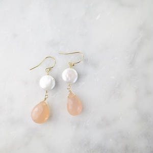 Freshwater pearl × Chalcedony Hook Pireced earrings【14kgf】