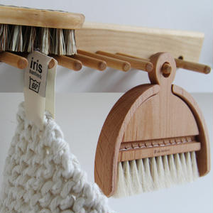 IRIS HANTVERK TABLE BRUSH SET