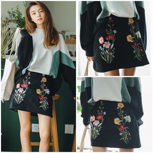 ミニスカート ブラック 花柄 刺繍 台形スカート 0665
