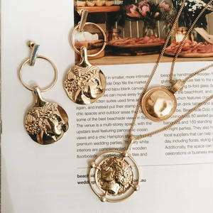 Round Roma Necklace