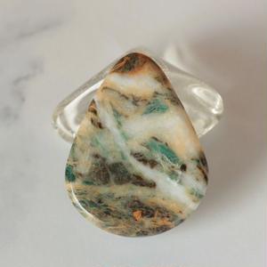 糸魚川産!天然サーペンチン(蛇紋岩)の帯留め☆原石から磨きました