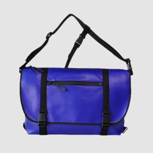 030 MESSENGER BAG _blue