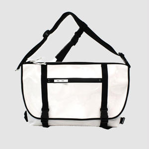 030 MESSENGER BAG _white×black