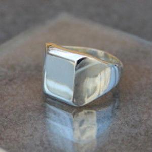 Classic Ring (Square)