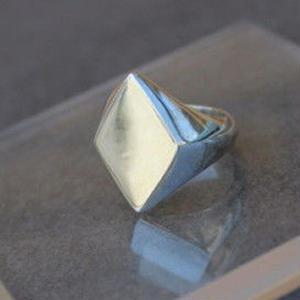 Classic Ring (Diamondl)