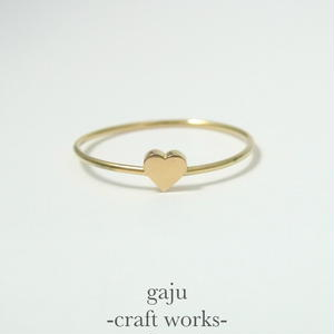 gold wire ring / heart