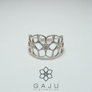 gajuvana Trinity ring + CZ ( Large )