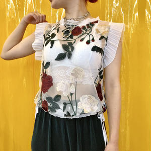ROSE  FRILL NO SLEEVE TOP