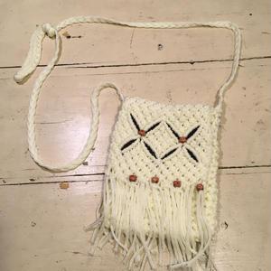 [USED] かわいい編みポシェット
