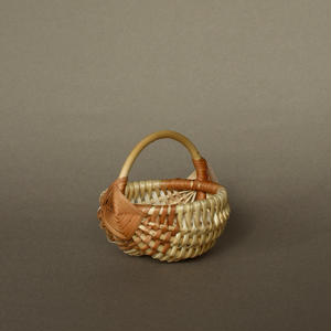 Latvia willow small basket
