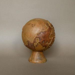 Wooden earth object