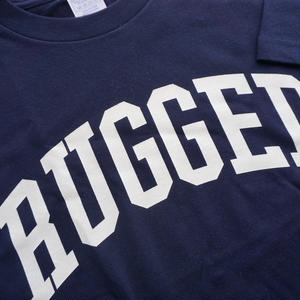 "RUGGED ""ARCH logo"" tee(Navy×White)"