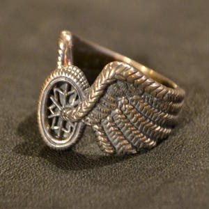 WHEEL WING RING SILVER