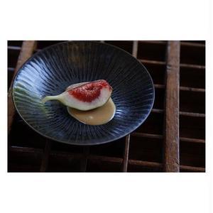 宮腰徳二 九谷焼 皿16.5cm しのぎ黒釉